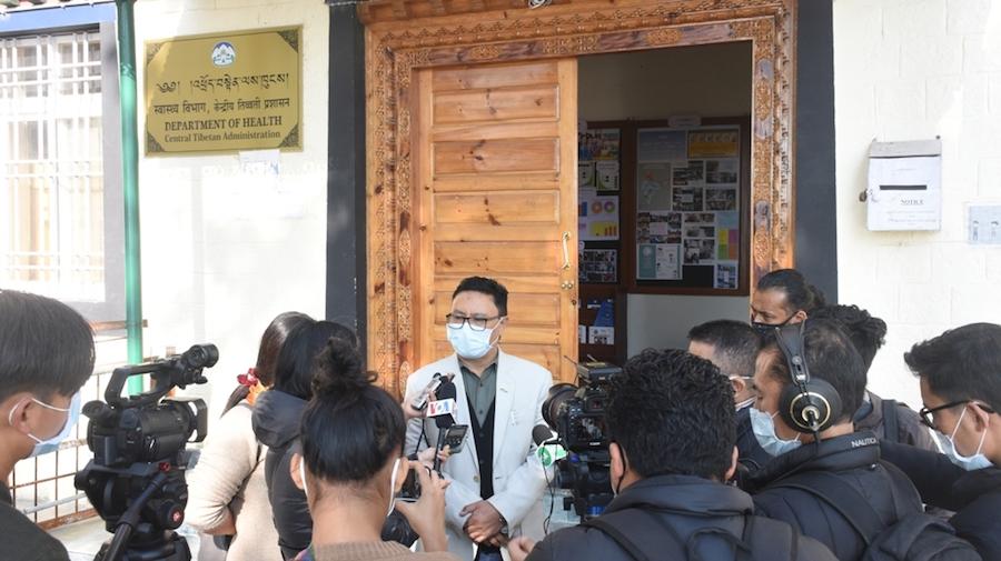 Heath Department Secretary Palden Dhondup addressing the press on Tuesday at Gankyi (Phayul Photo- Kunsang Gashon)