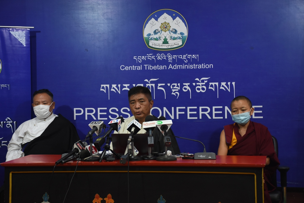 The chief election commissioner Wangdu Tsering Pesur (C) with the two additional commissioners, Geshema Delek Wangmo (R) and Sonam Gyaltsen (L) at the press conference on Monday (Phayul photo- Kunsang Gashon)